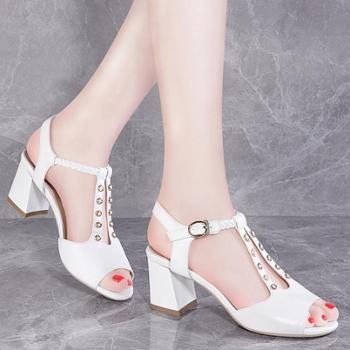 莫蕾蔻蕾 春夏新款高跟女鞋鱼嘴珍珠搭扣粗跟罗马女凉鞋 8186