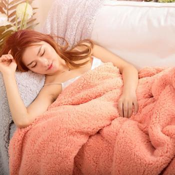 凯诗风尚艾薇系列羊羔绒披毯多功能毛毯盖毯