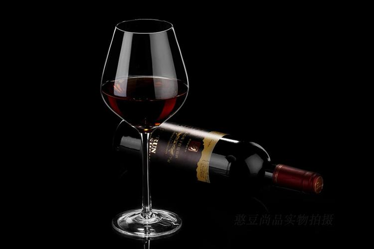 两只装 无铅水晶玻璃红酒杯 波尔多葡萄酒杯图片