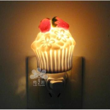 包邮卡通可爱创意 陶瓷纸杯蛋糕小夜灯 生日礼物礼品 儿童房摆饰