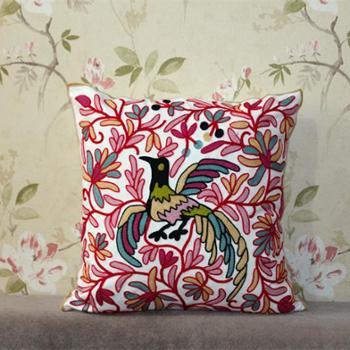棉刺绣花鸟汽车抱枕