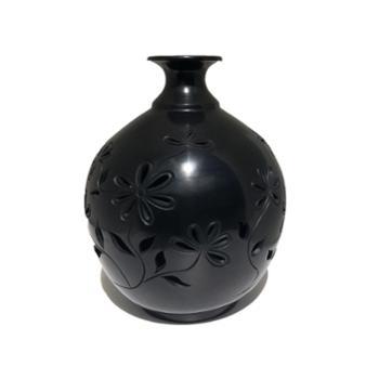 勃陶镂空天球瓶高度22cm直径18cm