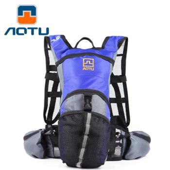 凹凸户外双肩包骑行包户外运动登山背包水袋包旅行包